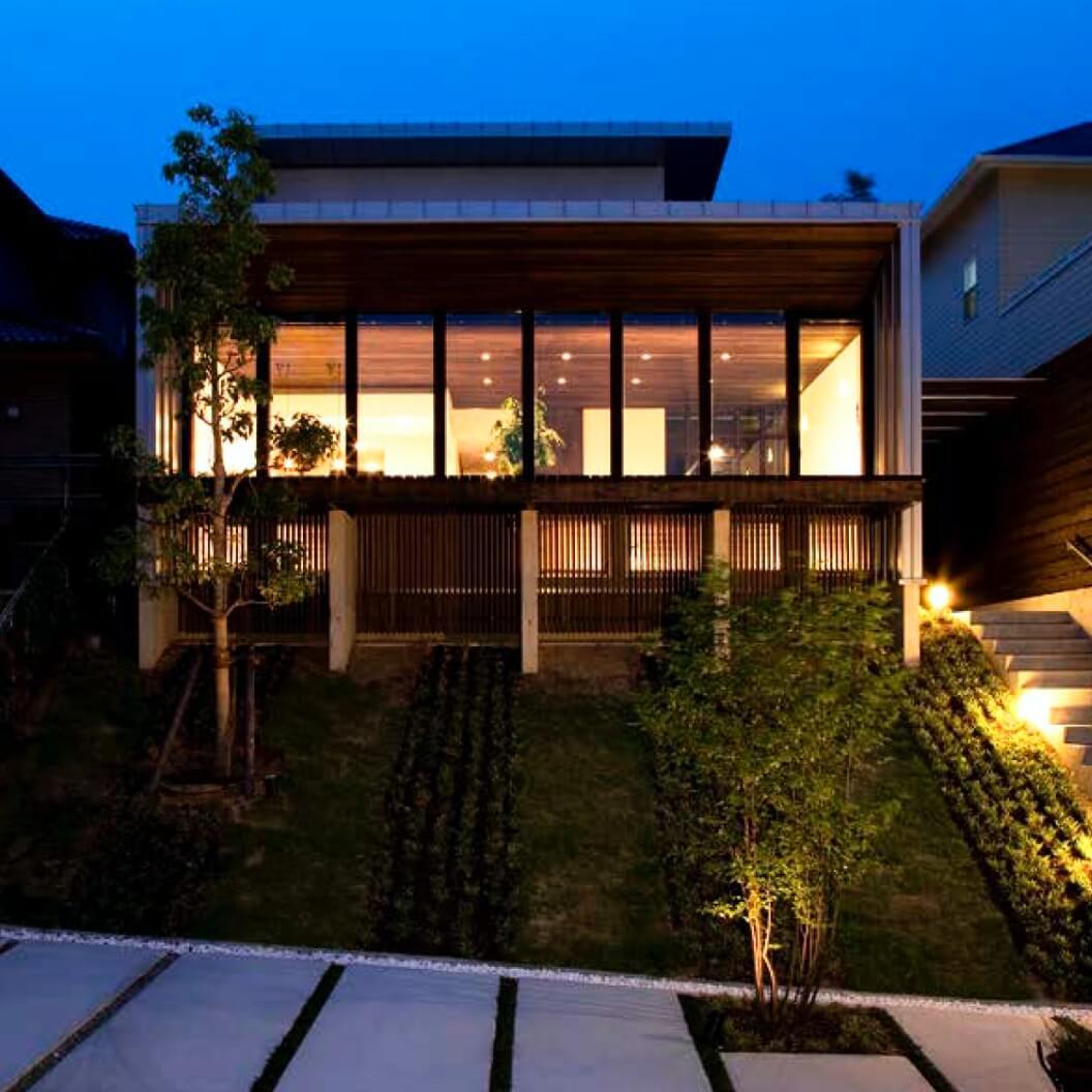 大開口窓がある森住建住宅外観