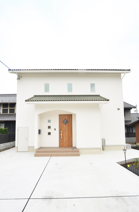 緑の屋根のかわいいお家