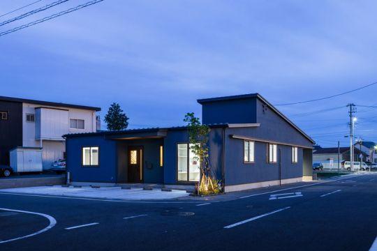 多世帯それぞれのスタイルを大切にした、開放的なシェアハウス風の平屋